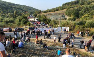 Pas protestave, Haradinaj ia anulon lejen Vuçiqit për vizitë në Drenicë