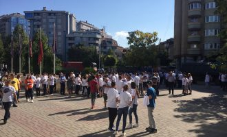 """Aksioni """"Ta pastrojmë Kosovën"""" nis edhe në Mitrovicë"""