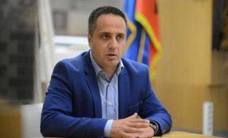 Selmanaj: Thaçi i ka kap për hunde Limajn dhe Haradinajn