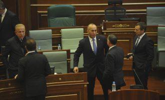 Deputeti i AAK-së kërkon që Elez Blakaj të ekstradohet nga SHBA në Kosovë