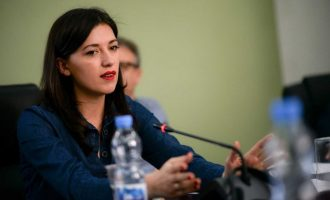 Haxhiu: Në Kosovë ka shumë zyrtarë që mbajnë edhe 6 vende pune