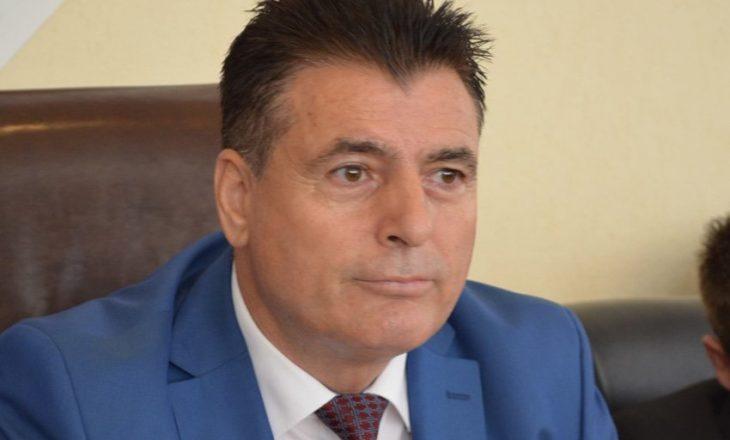 """""""Lopa që ecën"""" – reagime nga AKR-ja për ofendimin ndaj Agim Bahtirit"""