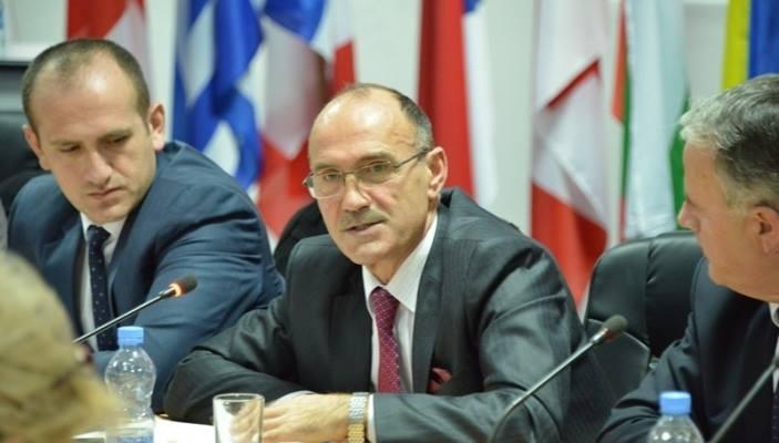 Shkarkohet ministri i Brendshëm, Bejtush Gashi