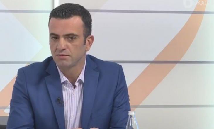 Njerzit si Mustafa Nano çdo shqiptar duhet t'i pshtyjë në surrat