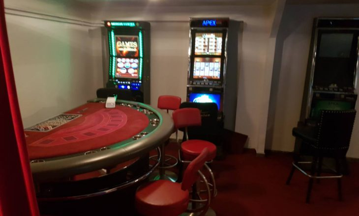 Aksion i Doganës, konfiskohen tavolina pokeri e aparate ilegale të lojërave