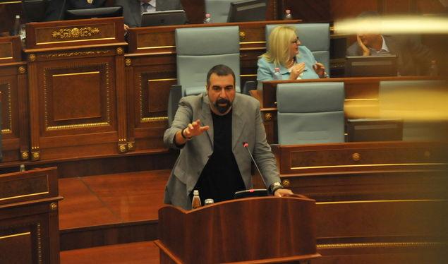 Fisnik Ismaili kërkon që protesta të vazhdojë