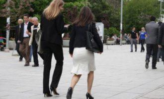 Gratë mbeten të nënpërfaqësuara në shumicën e pozitave