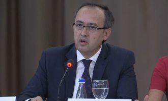 Avdullah Hoti i kundërpërgjigjet Vuçiqit për Ushtrinë e Kosovës