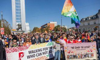Dy organizatat e LGBTI-së kërkojnë nga VV-ja dhe MKRS-ja të marrin masa ndaj deklaratave fyese të Donika Gashit