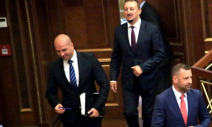 Lista Serbe lëshon sallën në shenjë paknaqësie ndaj formimit të ushtrisë