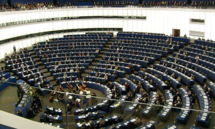 Komisioni i Jashtëm miraton raportin e PE: Shqipëria të dënojë blerjen e votës