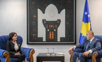Haradinaj takon Vasfije Krasniqin: Rrëfimi i saj, pasqyra më reale e përjetimeve tragjike të popullit tonë