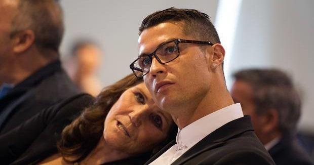 Nëna e Cristianos ka disa fjalë mbi akuzat për përdhunim