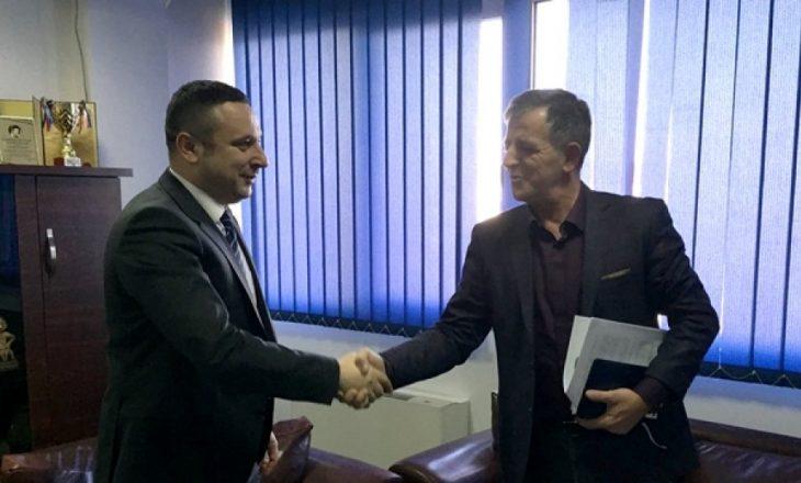 Rrëfimi i biznesmenit të cilit i kërkoi ryshfet zv/ministri Cena