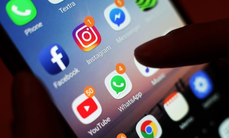 Rreziqet e mediave sociale, që askujt nuk i pëlqen t'i pranojë
