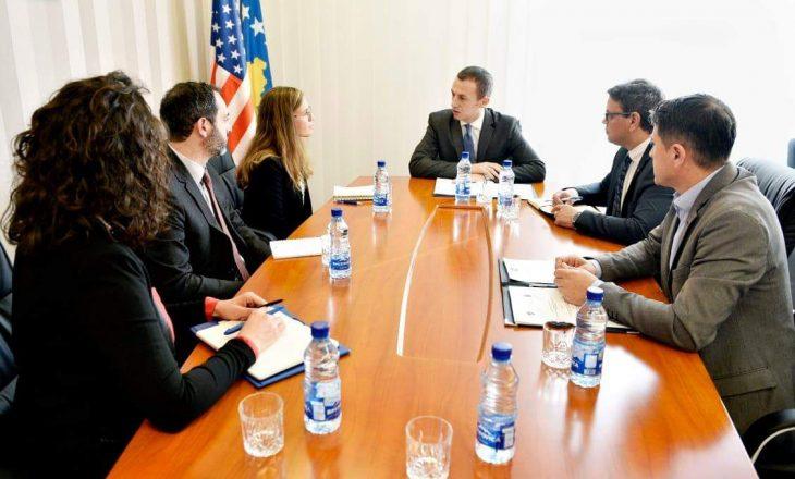 Ministri i Punës dhe Mirëqenies Sociale ka pritur sot një delegacion të Qeverisë së Shteteve të Bashkuara