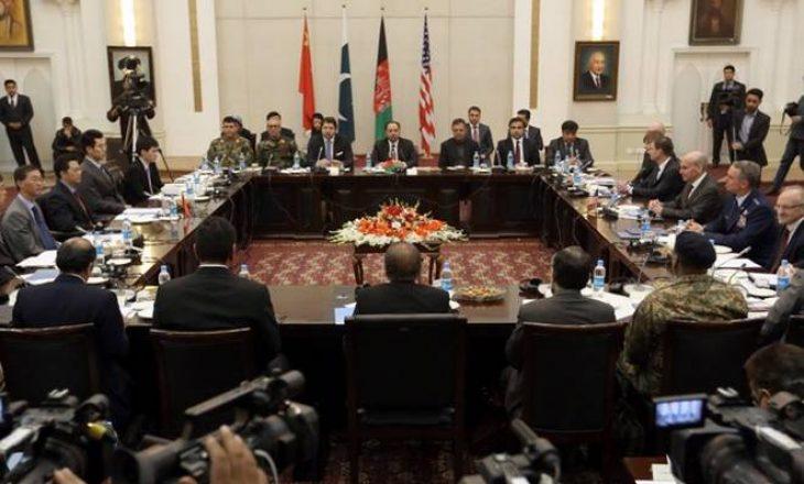 Bisedime mes talebanëve dhe SHBA-së për paqen në Afganistan