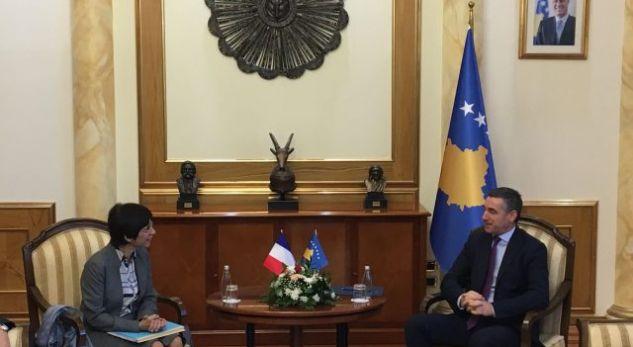 Veseli me zyrtaren e lartë franceze flasin për vizat dhe Interpolin