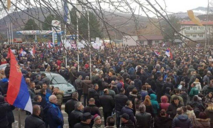 Protesta e serbëve përfundoi e qetë, Policia jep detaje për situatën në Veri