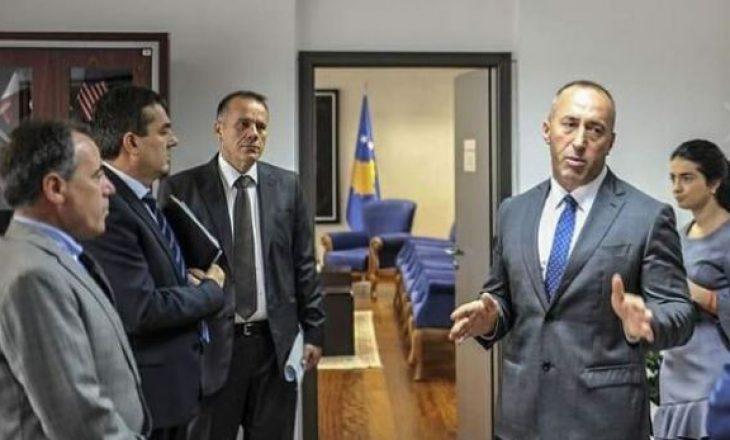Këshilltari i Haradinajt i përgjigjet Mogherinit për taksën