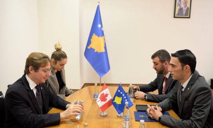 Investitorët kanadezë të interesuar për sektorin mineral të Kosovës dhe thellimin e marrëdhënieve ekonomike