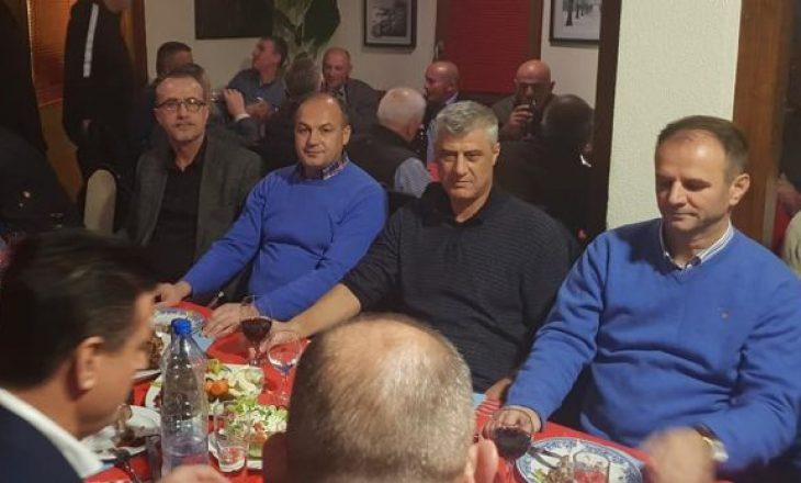 Hoxhaj flet për darkën me mish dhe birra në Mitrovicë, ku mori pjesë edhe Agim Bahtiri