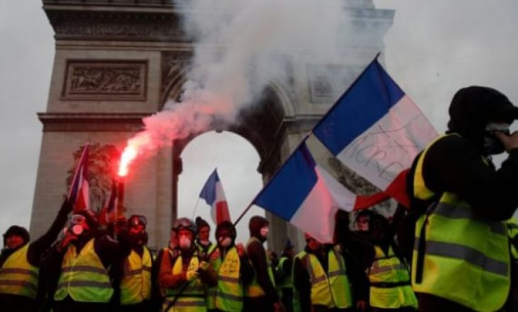Efekti i protestave, Franca anulon rritjen e taksës për karburantë
