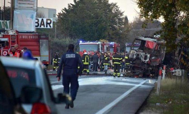 Dy të vdekur dhe dhjetë të plagosur në Itali