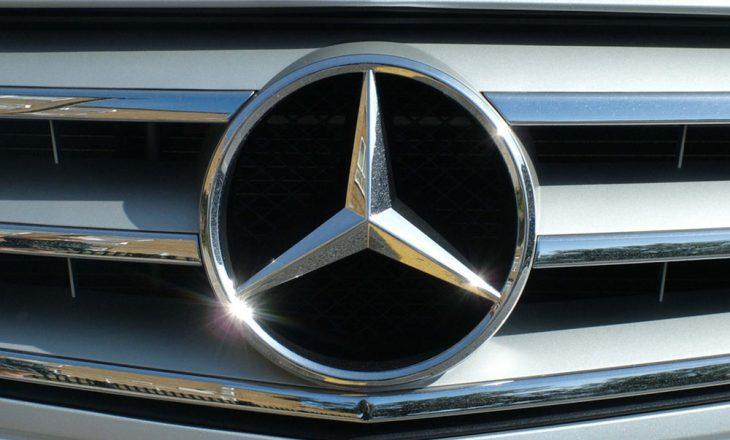 Tërhiqen nga qarkullimi mijëra vetura Mercedes