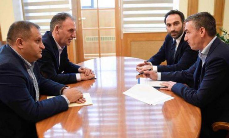 Pas Haradinajt, edhe Veseli takon Ekipin Negociator