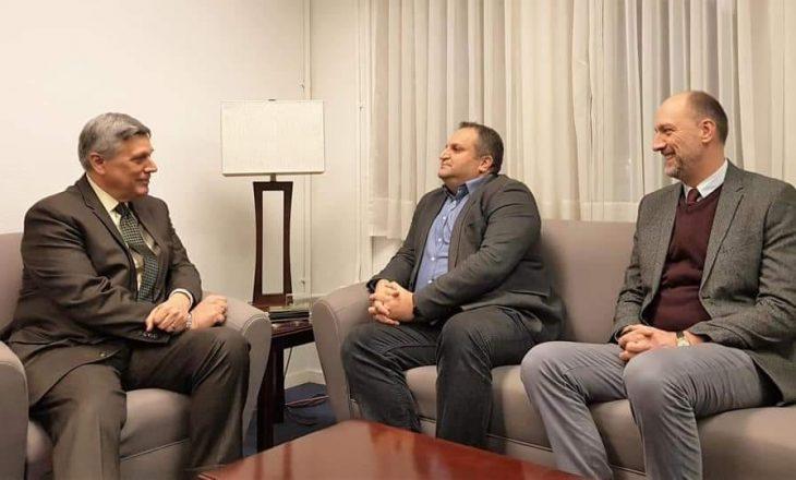 Ahmeti e Ymeri takohen me ambasadorin amerikan, bisedojnë rreth dialogut me Serbinë