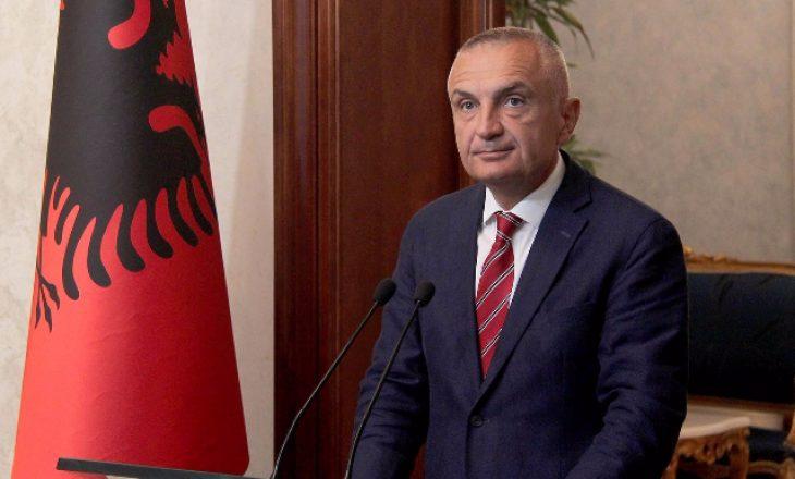 Presidenti Meta vazhdon debatin për mosdekretimin e Cakajt