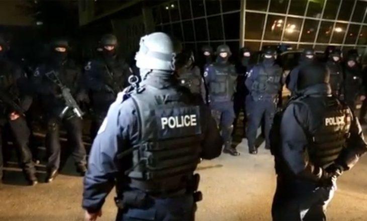 Policia jep detajet nga aksioni i bastisjes në Prishtinë