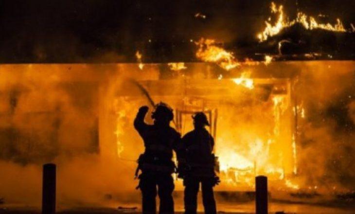 Një zjarrfikës lëndohet derisa ka shuar zjarrin në dy shtëpi të djegura në Malishevë