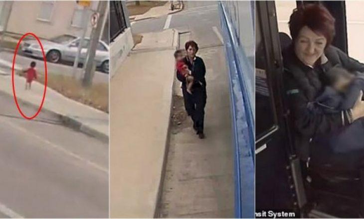 Shoferja e autobusit shpëton fëmijën 1-vjeçar në rrugë