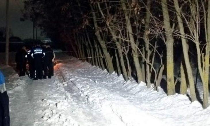 Gjendet i vdekur në rrugë – dyshohet se pësoi sulm nga i ftohti