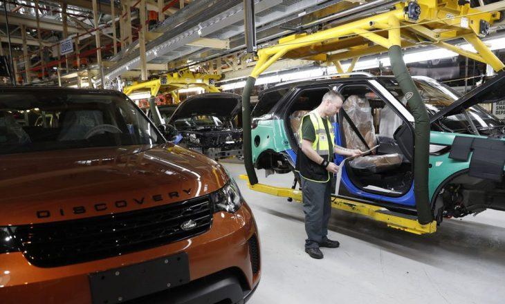 Prodhuesi i automjeteve Jaguar mbyll 4.500 vende pune