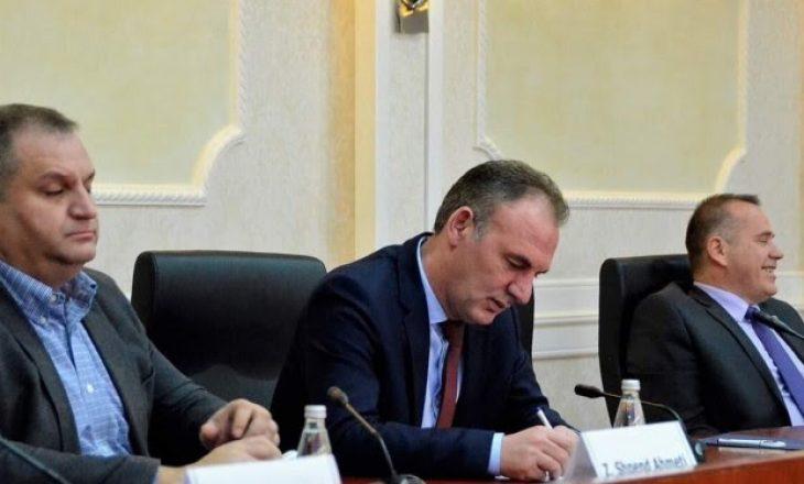 Limaj tregon çfarë biseduan me krerët e institucioneve për dialogun me Serbinë