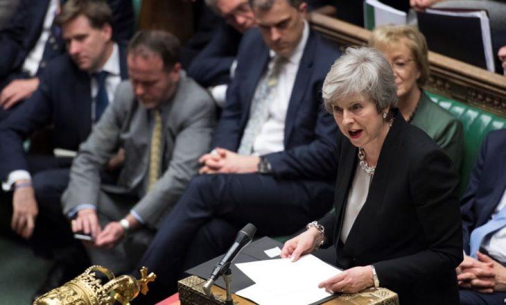 Qeveria britanike kërkon më shumë kohë për marrëveshjen për Brexit