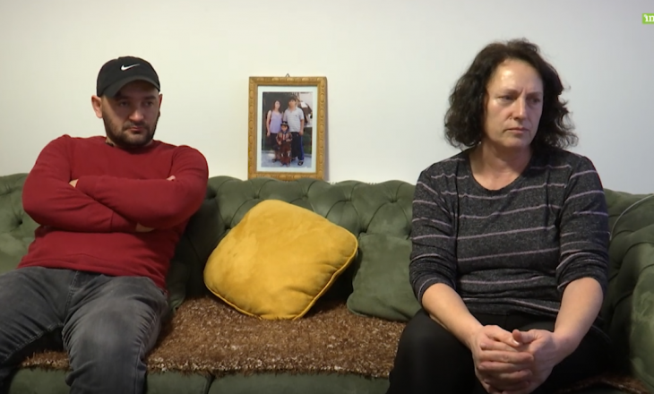 Rrëfimi i bashkëshortes për burrin dhe i djalit për babain e zhdukur që 20 vite