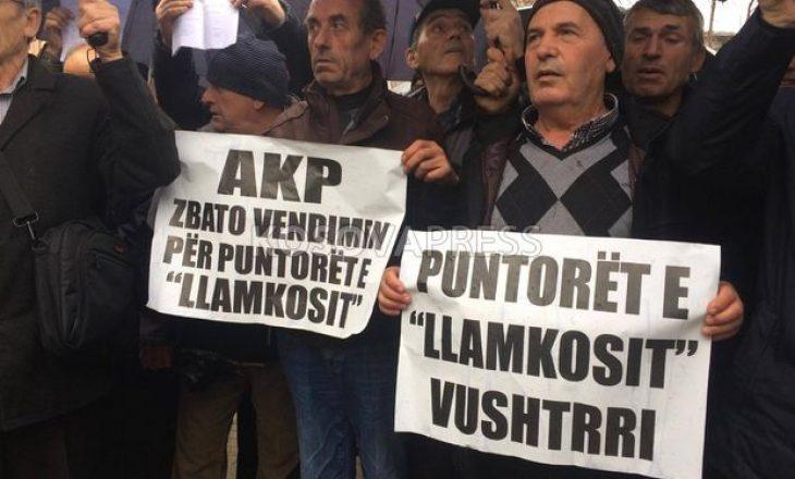Kushtet e rënda ekonomike në të cilat jetojnë punëtorët e larguar nga Llamkosi