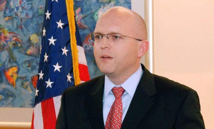Reeker: Kosova dhe Serbia të punojnë për gjetjen e një zgjidhjeje, SHBA do t'i mbështesë
