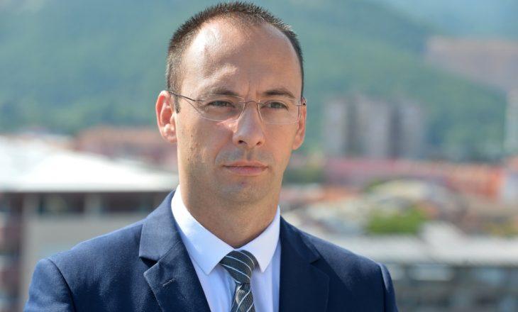 Simiq: Vota për Listën Serbe – mbështetje për luftën në institucione