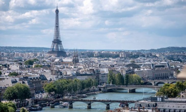 Kultura franceze zë vend qëndror në protestën ndaj masave të Covid