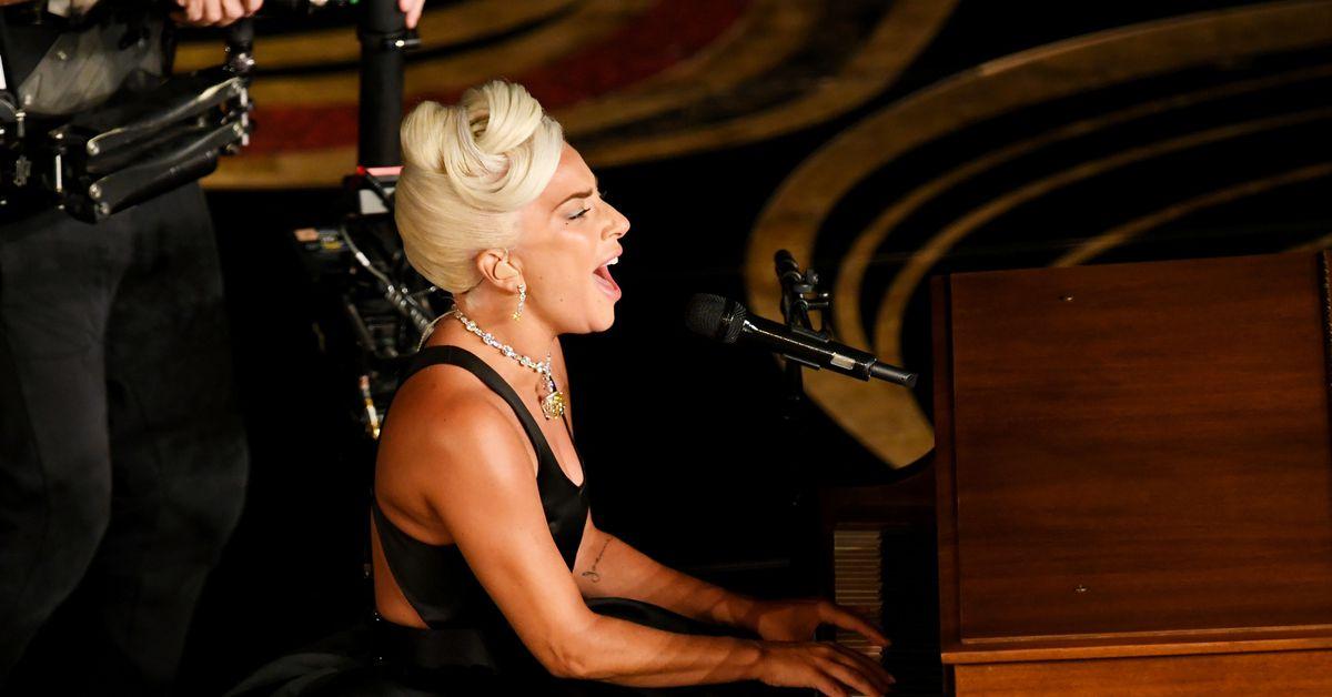 Shallow   vazhdon t i dhuroj kënaqësi Lady Gaga s