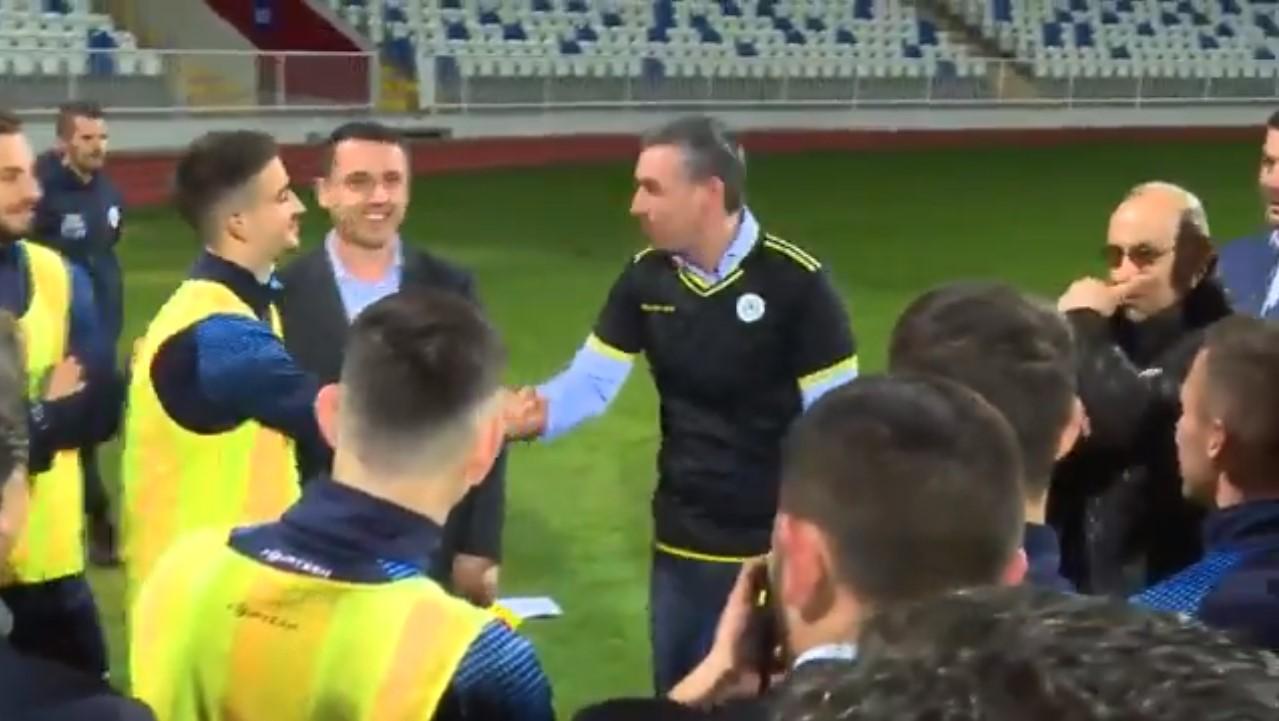 Momenti kur Veseli e pyet yllin e Kosovës  a ti je ai që po lëvizë shumë a
