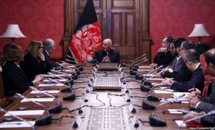 Afganistani dërgon 250 delegatë në takim me talibanët