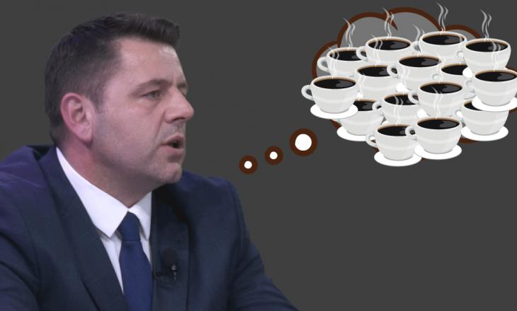 Deputeti Bekë Berisha pin 50 kafe në ditë, që për një vit i bie të shpenzoj mbi 7 mijë euro vetëm për to