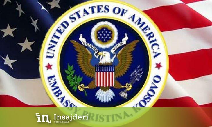 Ambasada amerikane spozorizon njoftimin për ndalimin e