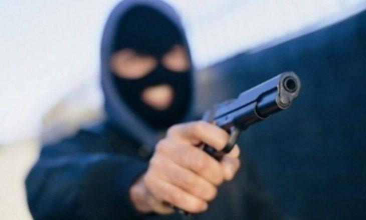 Tri grabitje me armë vetëm dje në Prishtinë e Podujevë